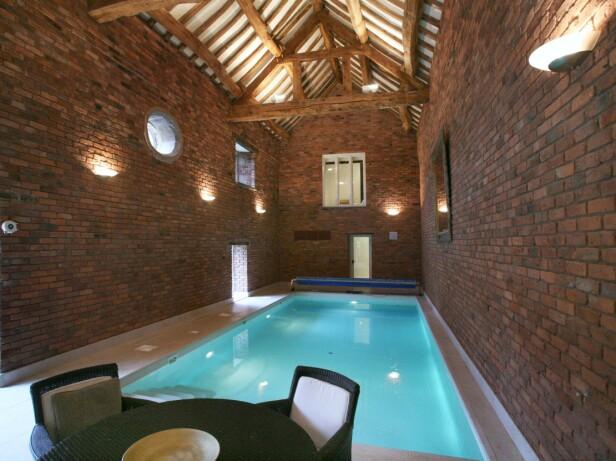 OMBYGGET LÅVE: Her tilbrakte Beckham-paret to år av livet sitt. Huset inneholdt blant annet et innendørsbasseng. Foto: NTB Scanpix