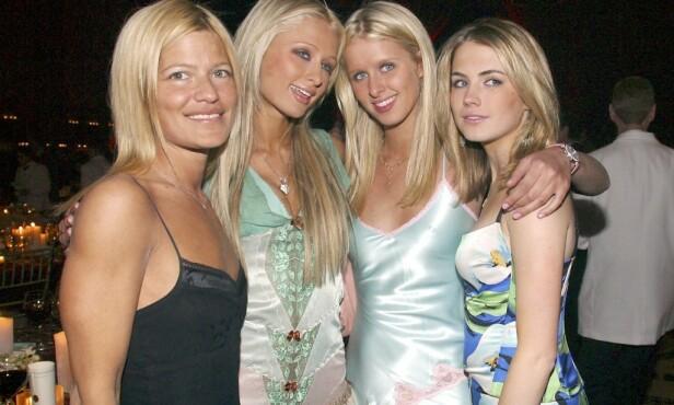 KJENDISVENNER: Hearst har flere kjente navn blant vennene sine. Her med Lizzie Grubman, Paris Hilton og Nicky Hilton i 2002. Foto: NTB Scanpix