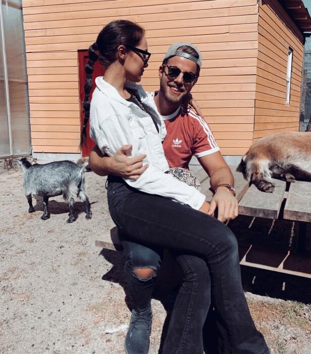 TRIVES I HVERANDRES LAG: Etter over en måned som samboere har deres nye tilværelse virkelig gitt mersmak. Foto: Privat