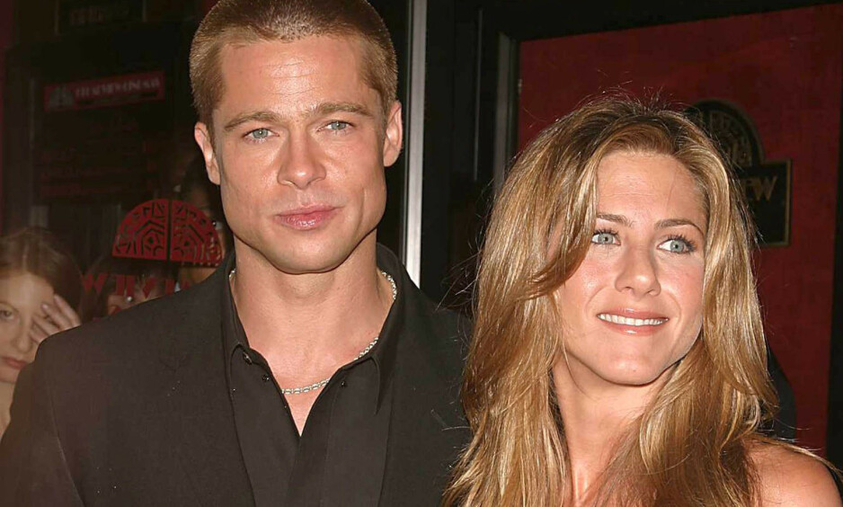 FORTSATT KONTAKT: Hollywood-stjernen Jennifer Aniston skal nå ha begynt å date igjen, men velger fortsatt å opprettholde kontakten med eksmannen Brad Pitt. Her er stjerneduoen avbildet i 2004. Foto: NTB Scanpix
