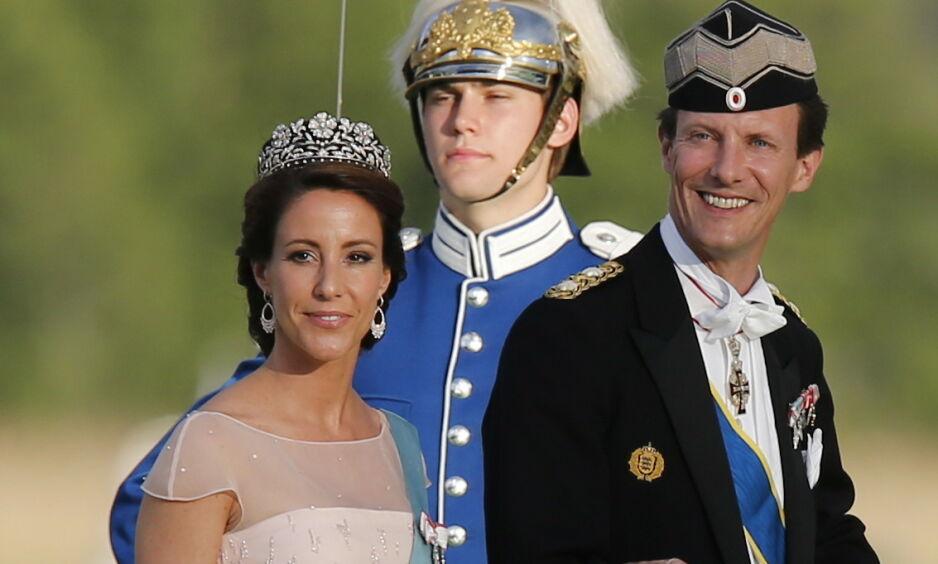 PÅ FLYTTEFOT: Prins Joachim og prinsesse Marie forlater denne høsten Danmark. En dansk kongehusekspert mener de aldri vil komme tilbake. Foto: NTB Scanpix