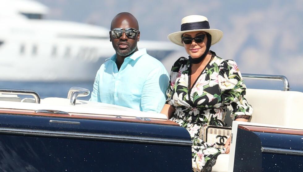 STORSLÅTT FEIRING: Kris Jenner og Corey Gamble har også vært til stede i Italia for å være med på den storslåtte feiringen. Foto: NTB Scanpix