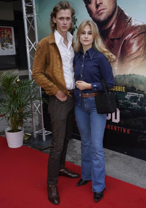 <strong>60-TALLET:</strong> Henrik Holm og kjæresten Lea Meyer hadde kledd seg i 60-talls klær for anledningen. Foto: Espen Solli/ Se og Hør