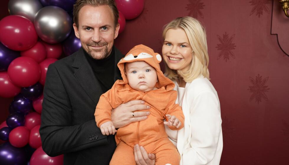 FERDIG: Ulrik og Julianne Nygård blir ikke å se i noen ny sesong av »Bloggerne». Her fotografert ved en tidligere anledning, sammen med sønnen Severin. Foto: NTB scanpix / TV 2