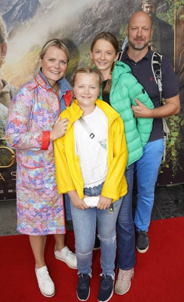 PREMIERE: Ingrid Gjessing Linhave tok med seg familien. Foto: Espen Solli / Se og Hør