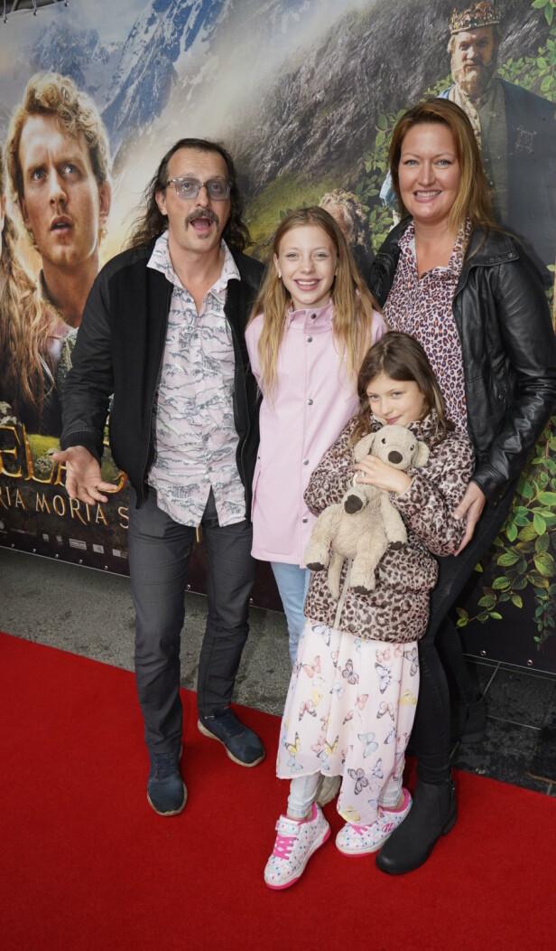 PREMIERE: Thomas Felberg med kona og deres to døtre. Foto: Espen Solli / Se og Hør