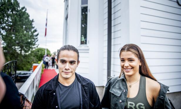<strong>FORELSKET:</strong> Silas og kjæresten Victoria. Foto: Christian Roth Christensen / Dagbladet