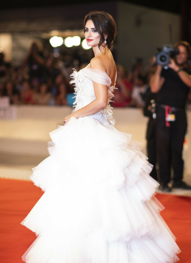 PENELOPE CRUZ: Iført en hvit Ralph and Russo-kjole. Foto: NTB Scanpix