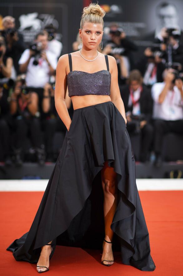 SOFIA RICHIE: Modellen gikk for et sett fra Twinset, da hun gjestet filmfestivalen. Foto: NTB Scanpix