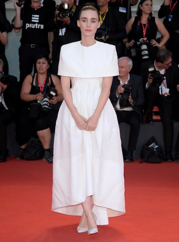 ROONEY MARA: Skuespilleren iført en Givenchy Haute Couture-kjole fra fjorårets vårkolleksjon. Foto: NTB scanpix