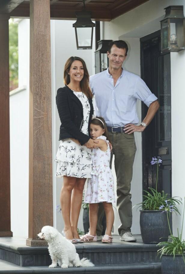 UT AV LANDET: Kongehusekspert Søren Jakobsen mener at prins Joachim trolig ikke vil flytte tilbake til Danmark. Foto: NTB Scanpix