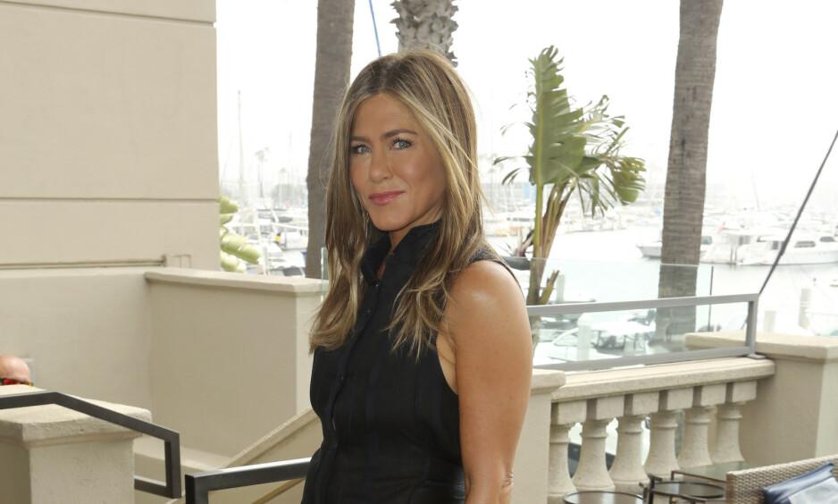 HOLDER SEG UNNA: Jennifer Aniston skiller seg ut fra mange når hun ikke bruker sosiale medier. Nå avslører hun hvorfor. Foto: NTB Scanpix