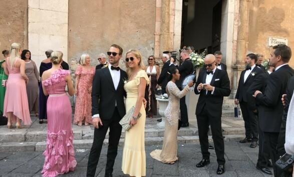 <strong>MANGE GJESTER:</strong> Gjestene strømmet til vielsen på Sicilia. Foto: Se og Hør