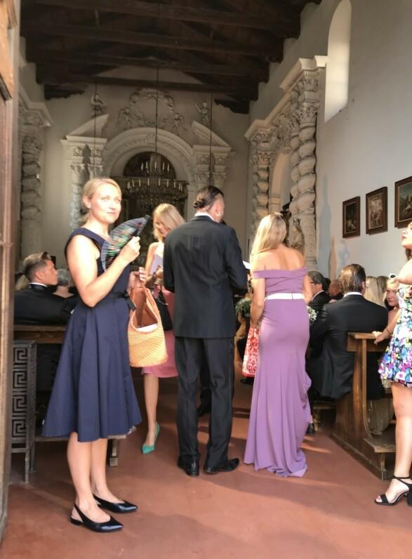 <strong>I BRYLLUP:</strong> Skuespillerekteparet Stig Henrik Hoff og Sølje Bergman var til stede i kirken. Foto: Se og Hør