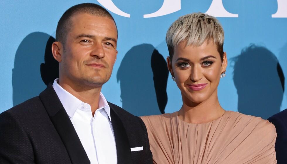 FORLOVET: Det var i begynnelsen av 2016 at romanseryktene begynte å svirre mellom Orlando Bloom og «Roar»-sangeren Katy Perry. Tre år senere er de forlovet. Foto: NTB Scanpix
