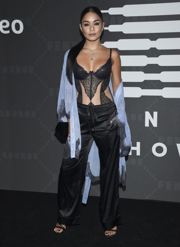 VANESSA HUDGENS: Skuespilleren valgte å kle seg i sexy undertøy, stylet med lekre silkebukser. Foto: NTB Scanpix