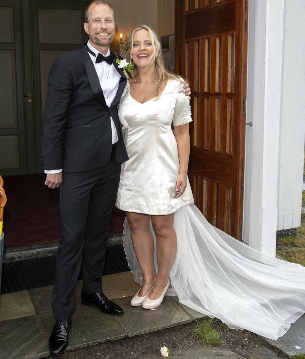 KORT BRUDEKJOLE: Henriette Steenstrup hadde en kort brudekjoe. Foto: Andreas Fadum/Se og hør