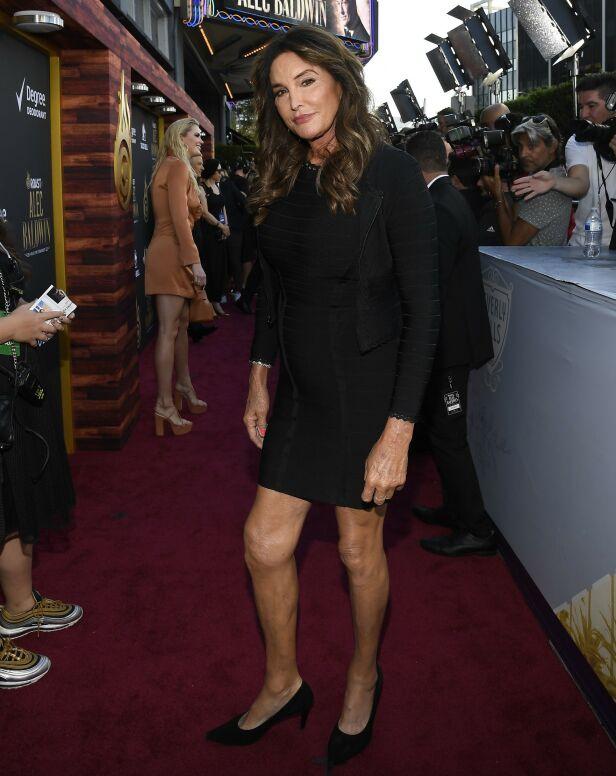 PÅ PLASS: Caitlyn Jenner var blant kjendisene som skulle grille Alec Baldwin tidligere denne uka. Foto: NTB Scanpix
