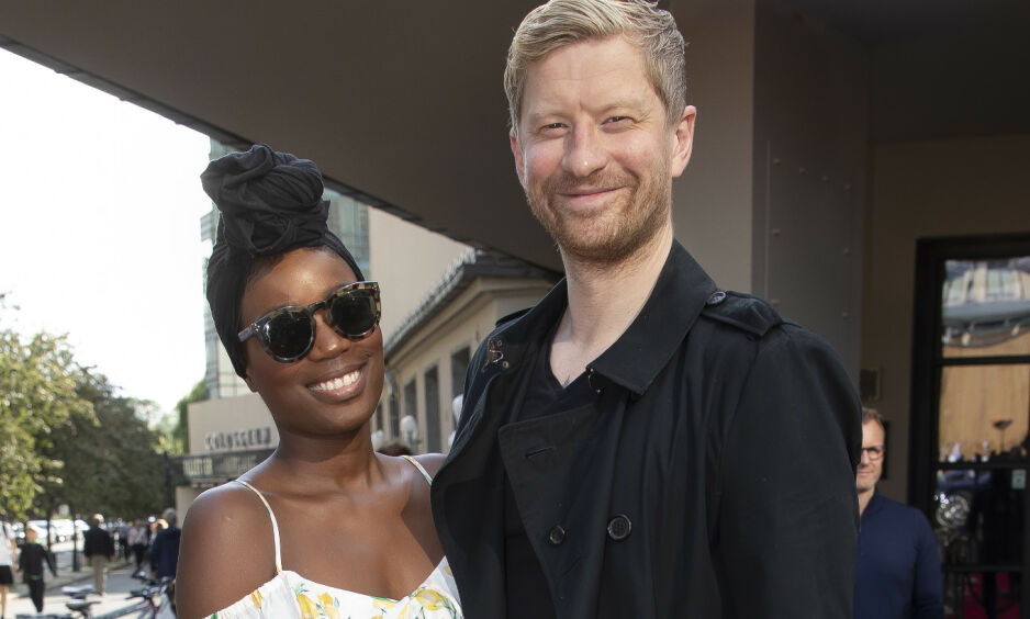 GIFT: Tinashe og Odd-Magnus Williamson giftet seg for fire år siden. I fjor ble de foreldre sammen for første gang, men de var en familie lenge før det. Foto: Tore Skaar / Se og Hør