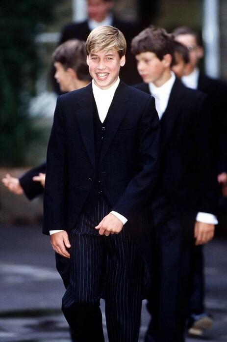TENÅRING: Prins William var bare 14 år gammel da toppløsbildene av moren prydet forsiden av The Daily Mirror. Foto: NTB Scanpix