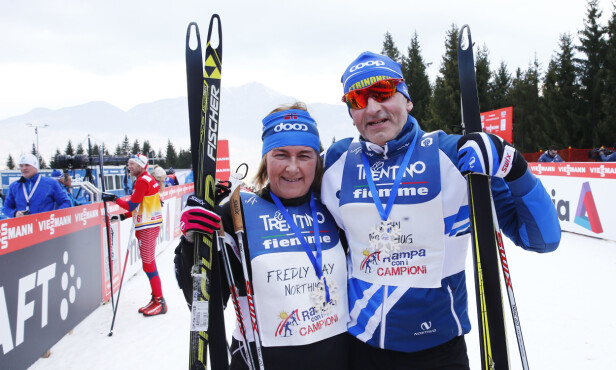 STØTTET BARNA: May og John Northug har alltid stått heiende fra sidelinjen når sønnene har gjort det stort i langrennssporet. Her gikk de opp slalombakken Alpe Cermis i Val di Fiemme noen timer før Petter Northug skulle gå den samme bakken i den 7. og siste etappen i Tour de Ski i 2015. Foto: Heiko Junge / NTB scanpix