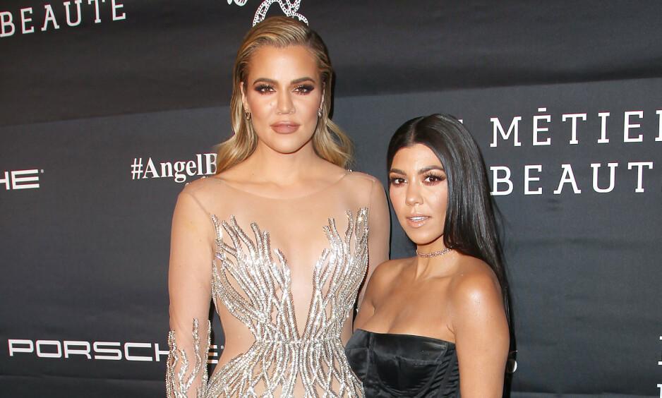 SINGLE: Både Khloé Kardashian og Kourtney Kardashian er single. Dette ønsker vissnok Kanye West å endre. Foto: NTB Scanpix