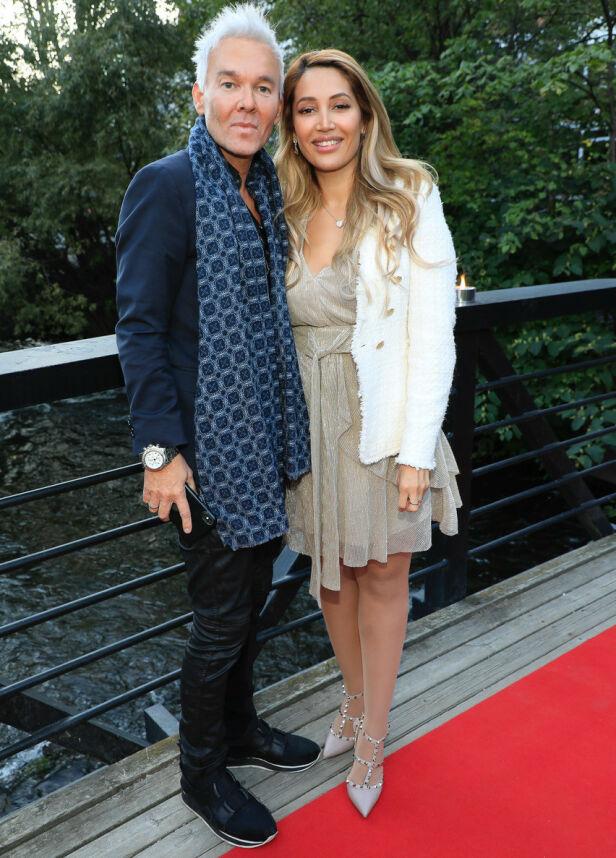 HVERDAGSGLAMOUR: Kristian Valen og forloveden, Karen Ånesen, gledet seg over litt glamour på en vanlig tirsdag. Foto: Tor Lindseth/ Se og Hør