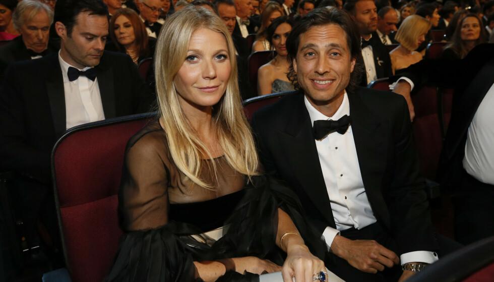 <strong>ETT ÅR:</strong> Paret, som giftet seg i september i fjor, satt spente i salen under nattens Emmy-utdeling. Foto: NTB Scanpix