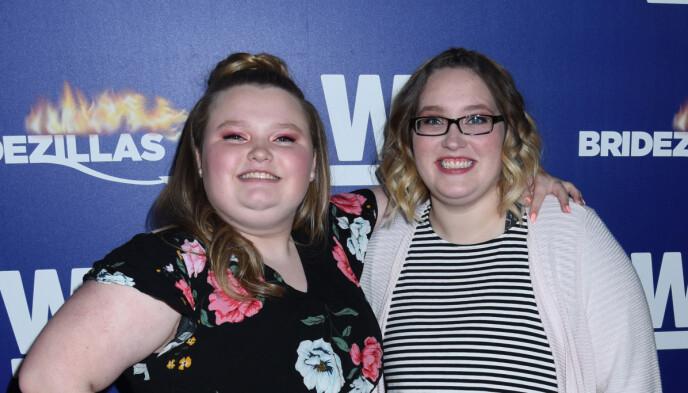 POSITIV: Alana virker positiv for fremtiden og ønsker en ny start. Her med storesøster Lauryn i 2019. Foto: NTB