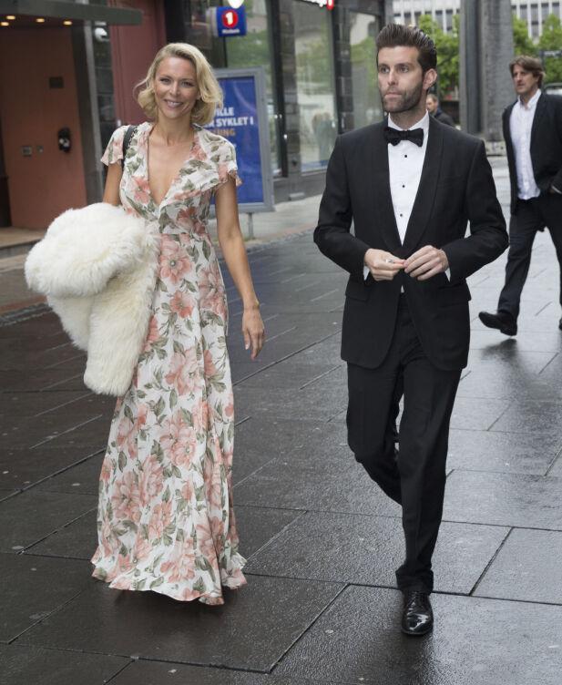 FØRSTE MØTE: Vanessa Rudjord og hennes forlovede Jonas Forsang Moksnes møttes for første gang på restauranten Delicatessen sammen med en vennegjeng. Her er de i bryllupet til Odd-Magnus Williamson og kona Tinashe i 2015. Foto: Espen Solli