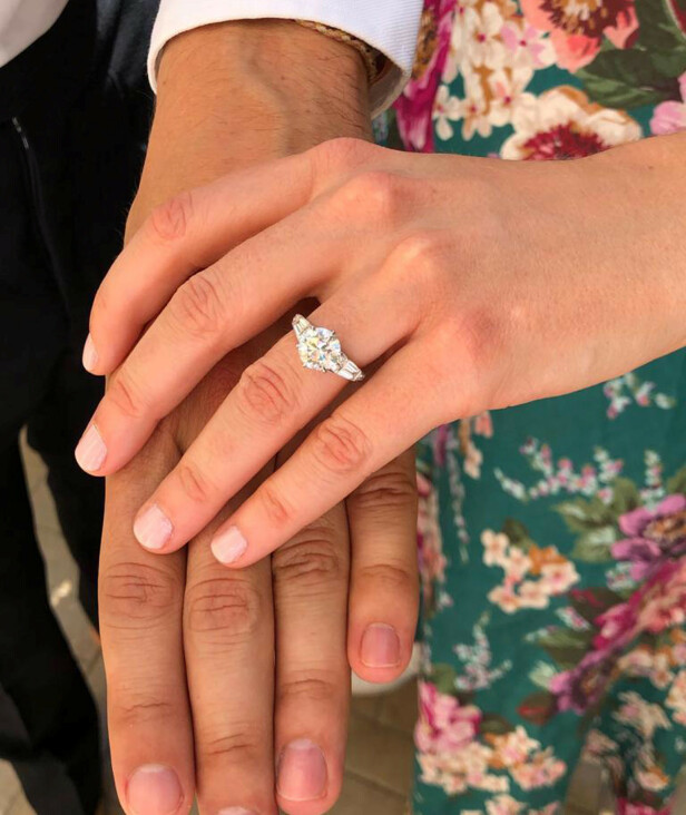 <strong>RINGEN:</strong> Søster prinsesse Eugenie har tatt bildene av de blivende ekteparet. Her er bilde av forlovelsesringen. Foto: Prinsesse Eugenie/ Reuters/ NTB Scanpix