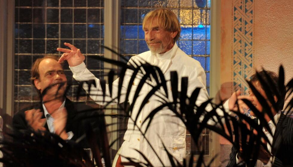 HEDRET: I 2012 ble Jahn Teigen innlemmet i Rockheim Hall of Fame i Trondheim. Ved hans side var manager og artist Lage Fosheim, som gikk bort året etter. Teigen tok tapet av sin gode kamerat svært tungt. Foto: NTB Scanpix