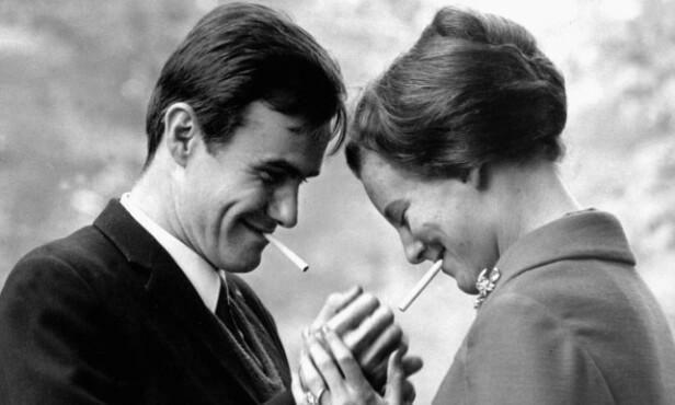 <strong>UNG KJÆRLIGHET:</strong> Prins Henrik og dronning Margrethe møttes i Londons pulserende byliv i 1965. Her er de avbildet i 1967. Foto: NTB Scanpix