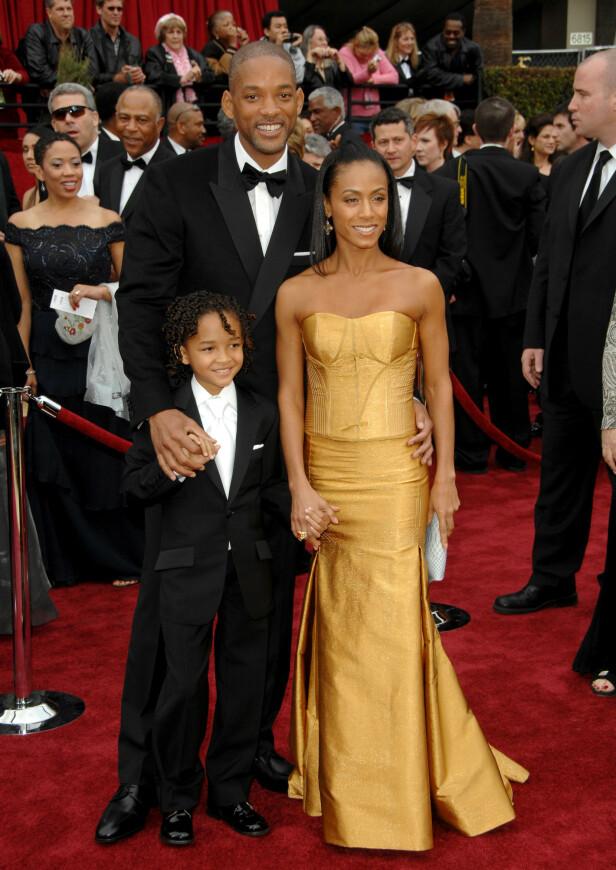 TRIO: Her er Will Smith og kona Jada Pinkett Smith avbildet sammen med sønnen Jaden Smith i 2007. Foto: NTB Scanpix