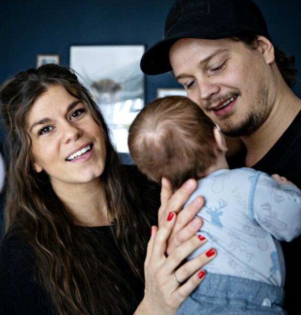 SPISER PLANTEBASERT: Kristin Gjelsvik og Dennis Poppe ser for seg at sønnen også vil spise plantebasert. Foto: Nina Hansen / Dagbladet