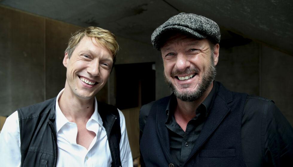 MED REGISSØREN: Her er den svenske skuespilleren med regissør Øystein Karlsen. Foto: NTB Scanpix