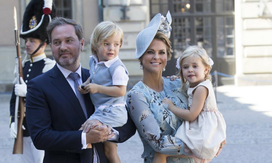 UTE AV KONGEHUSET: Prinsesse Madeleine og Chris O'Neills barn tilhører ikke lenger det svenske kongehuset. Det ble kjent på mandag, og ifølge svenske medier er det flere årsaker til at avgjørelsen kom akkurat nå. Foto: NTB Scanpix