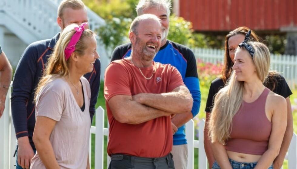 UENIGE: Terje Leer og Ingebjørg Monique Haram (til høyre) er ikke helt enige om alt som foregår på gården, og sistnevnte har reagert på det hun mener er dårlige holdninger overfor kvinner. Foto: TV 2