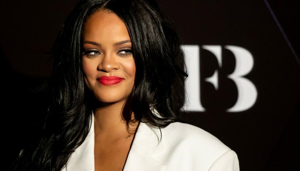 LETTER PÅ SLØRET: Rihanna innrømmer at hun er lykkelig forelsket. Her er hun avbildet i september. Foto: NTB Scanpix