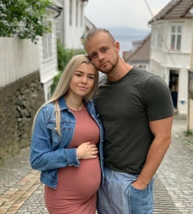 FORELDRE: Kristian Jarland og kjæresten har fått en datter. Foto: Privat / Instagram