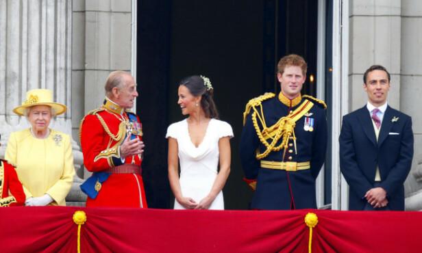PÅ SLOTTSBALKONGEN: James Middleton (ytterst t.h.) var til stede på balkongen på Buckingham Palace på bryllupsdagen til storesøster Kate og prins William. Foto: Pa Photos/ NTB scanpix