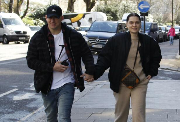 LAV PROFIL: Channing Tatum og Jessie J ble koblet til hverandre i oktober i fjor, og i midten av mars klarte de ikke lenger å skjule følelsene for omverdenen, da de vandret hånd i hånd i Londons gater. Foto: NTB Scanpix