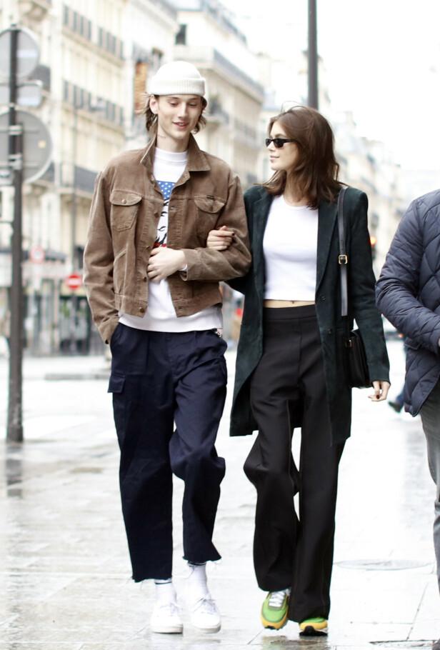 ROMANSE: Kaia Gerber og Wellington Grant datet fra februar til april. Her er de avbildet i gatene i Paris i mars. Foto: NTB Scanpix