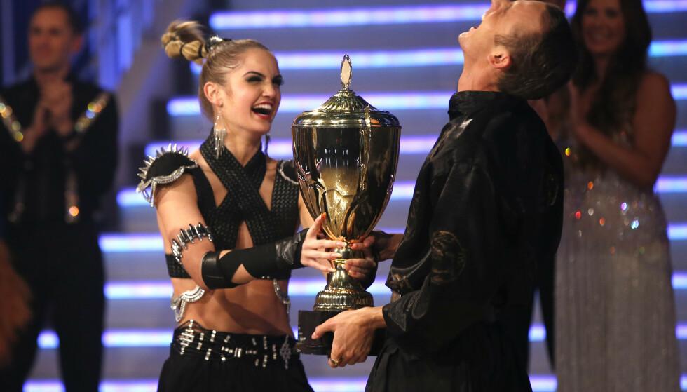 SEIER: Jubelen sto i taket da Adelén Rusillo Steen og Benjamin Jayakoddy stakk av med seieren i TV 2s dansekonkurranse i 2015. Foto: NTB Scanpix