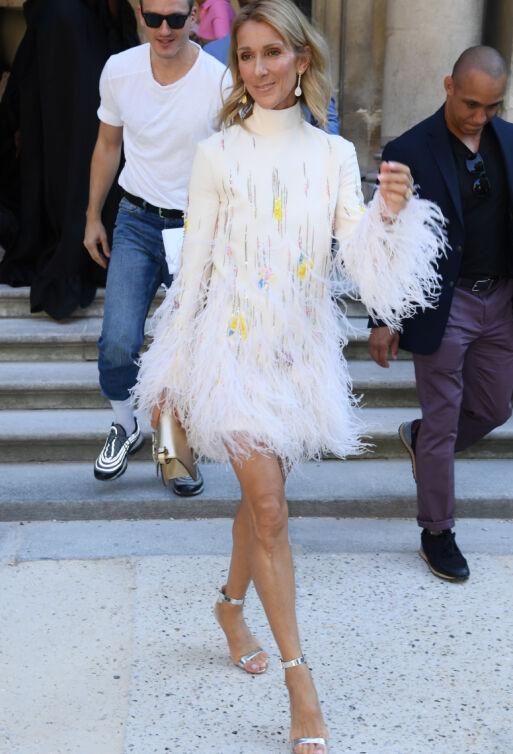 CELINE DION: Superstjernen i finstasen på Valentino-visning under Haute Couture Fashion Week i Paris i juli. Foto: David Fisher/ Shutterstock/ NTB scanpix