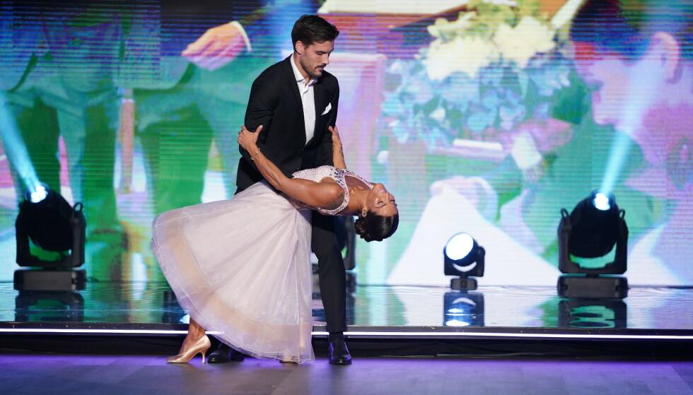EKTEPAR: Jørgine Massa Vasstrand tok med seg ektemannen Morten Sundli på parketten da hun dediserte en dans til ham på «Skal vi danse». Foto: TV 2 / NTB Scanpix