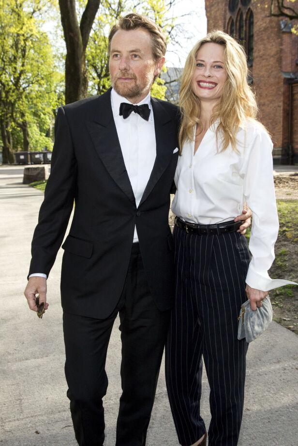 SEKSBARNSFAR: Fredrik Skavlan sier at han har mye fin kontakt med sine barn på Vipps. Etter at han i 2018 fikk sitt tredje barn med Maria Bonnevie, er han nå seksbarnsfar. Foto: Andreas Fadum