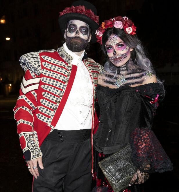 IMPONERENDE: Tone og Markus hadde brukt flere timer for å bli klare til Stordalens halloween-fest i helgen. Foto: Andreas Fadum / Se og Hør