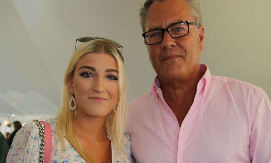 FORLOVET: Christie Brinkleys eksmann Peter Cook (60) har forlovet seg med 39 år yngre Alba Jancou (21). Foto: NTB Scanpix