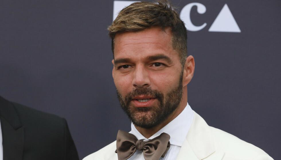 BABYLYKKE: Nå har popartist Ricky Martin fått sitt fjerde barn til verden. Det avslørte han på Instagram like før midnatt natt til onsdag norsk tid. Foto: NTB Scanpix